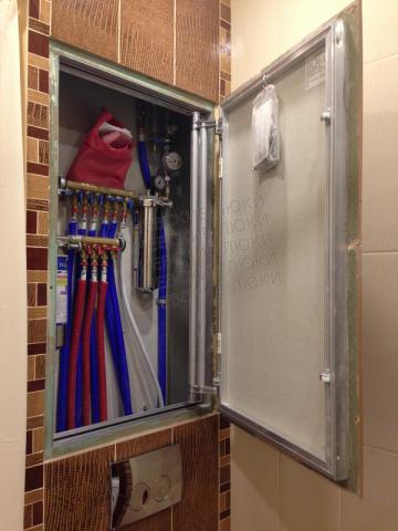 Cмотровая дверца в ванную